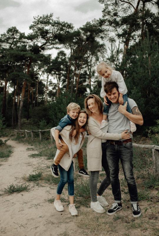 Familienshooting Glockenbuckel Viernheim Familienbilder Portrait Mannheim Frankfurt Juliane Finkenberger